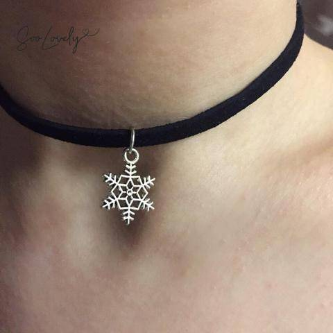 snowflake velvet choker