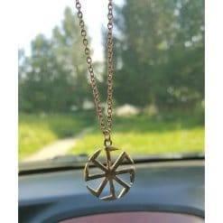 Amulet ketting met Slavisch zonnesymbool